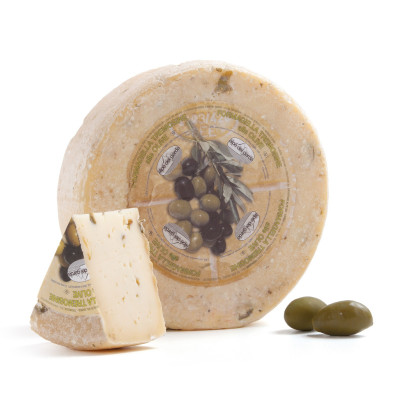 Formagella Tremosine cheese with Olives