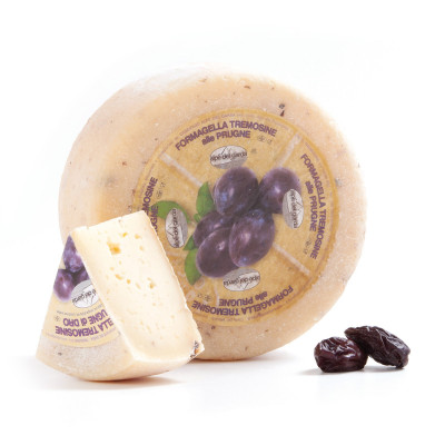 Formagella Tremosine cheese with Plums