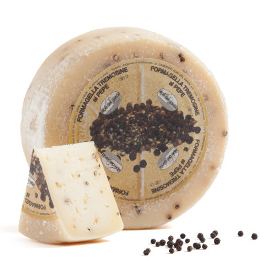 Formagella Tremosine cheese with Black Pepper